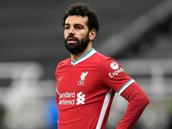 Mohamed Salah dẫn đầu cuộc đua Giầy vàng nhưng kết quả của Liverpool lại theo hướng ngược lại. Ảnh: Getty Images