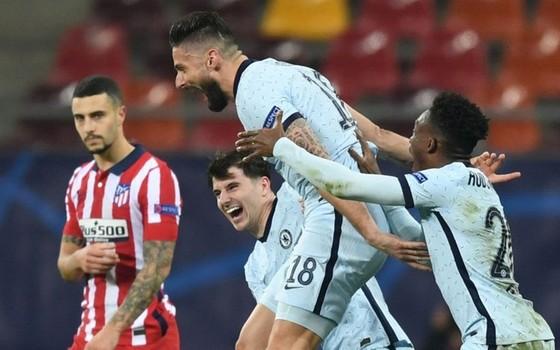Giroud ghi siêu phẩm cho Chelsea ảnh 1