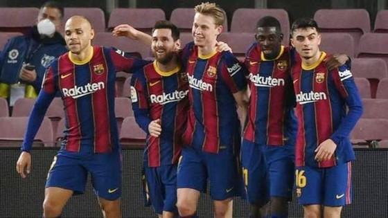 Messi ghi cú đúp giúp Barca đánh bại Elche ảnh 1