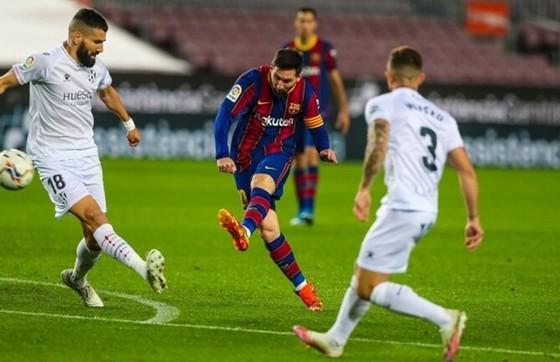 Lionel Messi tiếp tục ghi những bàn thắng và thiết lập những cột mốc quan trọng.