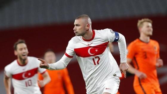 World Cup 2022: Yilmaz ghi hat-trick khiến Hà Lan choáng váng ảnh 1