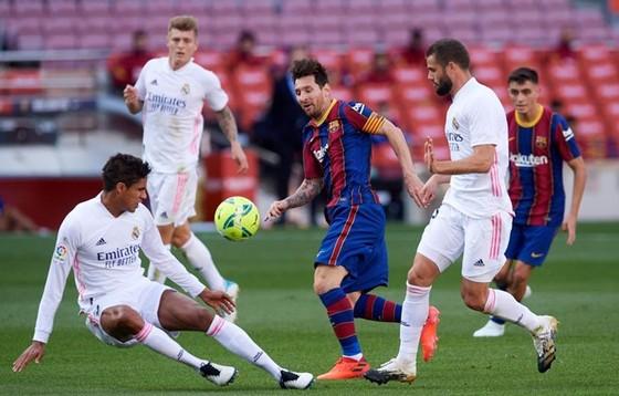 Lionel Messi và đồng đội quyết tâm đòi nợ thất bại trên sân nhà ở lượt đi. Ảnh: Getty Images