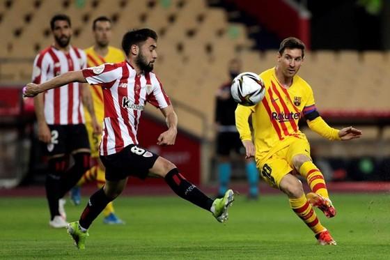 Messi ghi cú đúp giúp Barca thắng Cúp nhà Vua ảnh 1