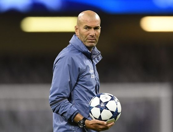 Zinedine Zidane được cho thất vọng vì không được Ban lãnh đạo ủng hộ.
