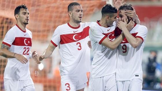 Thổ Nhĩ Kỳ đã đánh bại Azerbaijan 2-1 trên sân nhà tại Alanya.