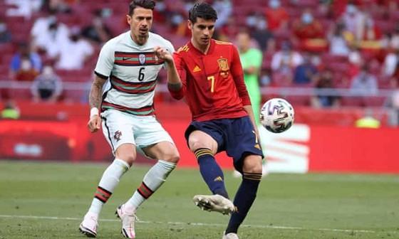 Tây Ban Nha, Bồ Đào Nha chạy đua đồng đăng cai World Cup 2030 ảnh 1