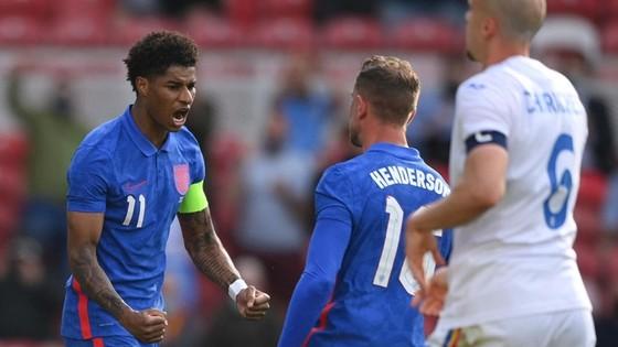 Marcus Rashford lần đầu ghi bàn trong tư cách đội trưởng tuyển Anh. Ảnh: Getty Images