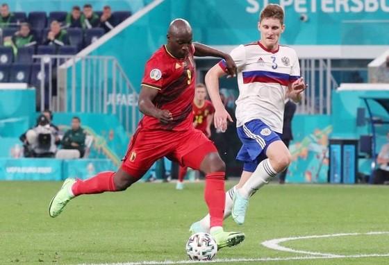 Romelu Lukaku đã tỏa sáng để giúp tuyển Bỉ có khởi đầu ấn tượng. Ảnh: Getty Images
