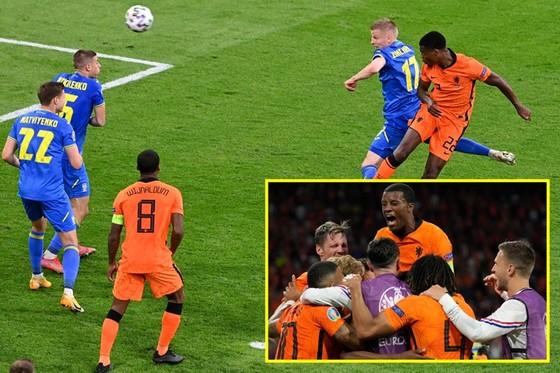Hà Lan - Ukraine 3-2: Màn rượt đuổi căng thẳng ảnh 1