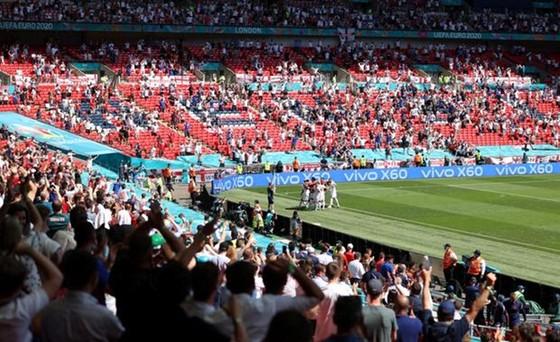 Sân Wembley sẽ sớm được đón tiếp 40.000 khán giả ảnh 1
