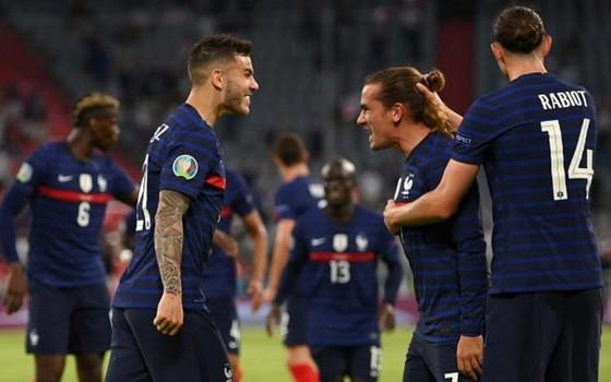 Dù không thật ấn tượng, nhưng Pháp nên hạnh phúc với khởi đầu trong mơ ở bảng tử thần.