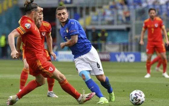 HLV Mancini quan trọng danh hiệu hơn kỷ lục ảnh 1