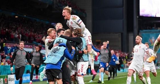 """Nga - Đan Mạch 1-4: """"Lính chì"""" lách qua khe cửa hẹp ảnh 2"""