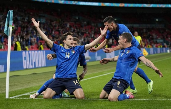 Italy - Áo 0-0 (hiệp phụ 2-1): Dự bị lập công, Azzurri giành vé tứ kết nghẹt thở ảnh 2