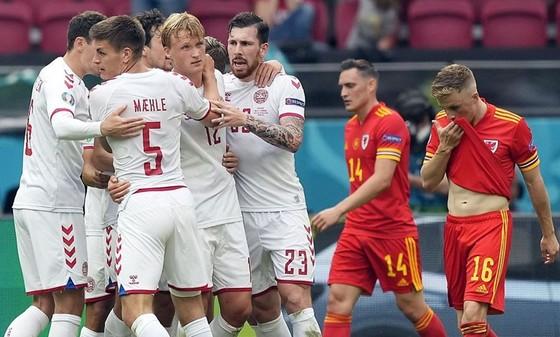 Đan Mạch là đội đầu tiên ghi 4 bàn trở lên ở 2 trận liên tiếp tại một kỳ Euro.