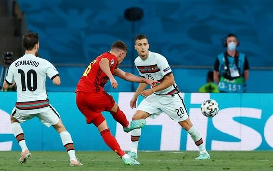 Bỉ - Bồ Đào Nha 1-0: Tuyệt phẩm của Hazard hạ gục nhà vô địch ảnh 1