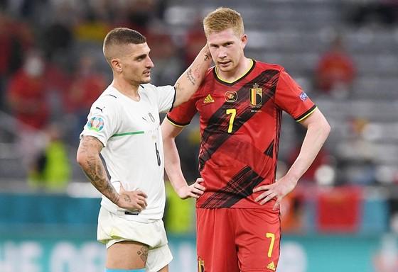 Kevin De Bruyne (phải) dù phải nén đau nhưng đã chơi thật sự rất hay. Ảnh: Getty Images