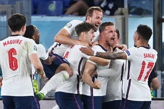 Ukraine - Anh 0-4: Cú đúp của Kane giúp Tam sư ghi chiến thắng lịch sử ảnh 1