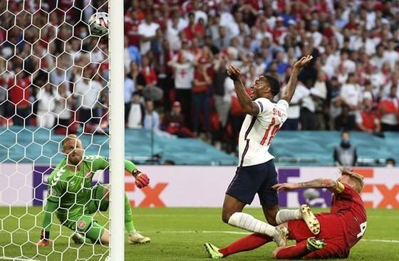 Anh - Đan Mạch 2-1 (hiệp phụ): Tam sư tiến vào trận chung kết lịch sử ảnh 2