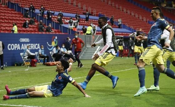 Luis Diaz với màn trình diễn ấn tượng giúp Colombia thắng phút cuối.