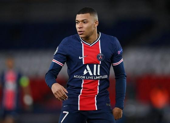 Mùa qua tiền đạo 22 tuổi đá chính 27 trận Ligue 1 cho Paris SG, ghi 27 bàn và có 7 đường kiến tạo.