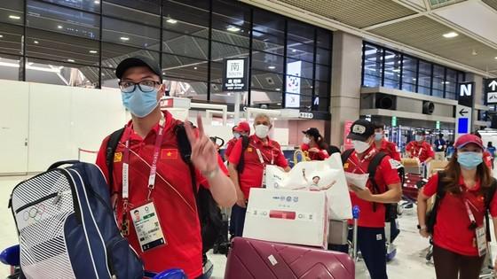 Đoàn thể thao Việt Nam đã hoàn tất thủ tục đề rời Tokyo ảnh 1