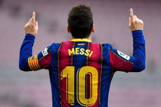 Cú sốc của mùa hè: Messi chính thức chia tay Barca ảnh 1