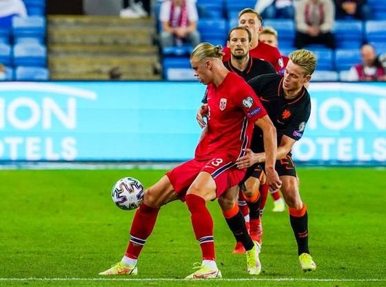 Đan Mạch toàn thắng, Van Gaal khởi đầu không tốt với Hà Lan  ảnh 1