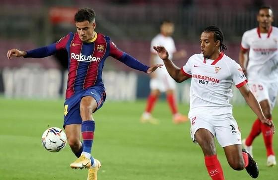 Màn so tài giữa Barcelona với Sevilla vào thứ bảy này sẽ bị hoãn.