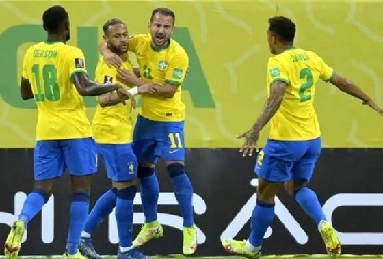 Neymar không mấy vui dù ghi dấu ấn.