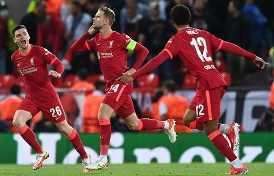 Jordan Henderson mang về chiến thắng khá nhọc nhằn cho Liverpool. Ảnh: Getty Images