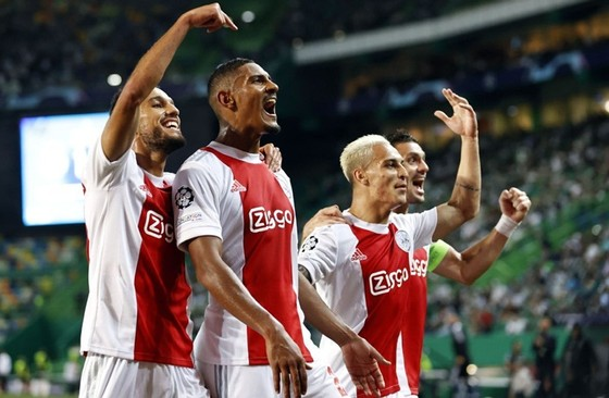 Haaland tiếp tục ghi dấu ấn, Haller ghi 4 bàn cho Ajax ảnh 1