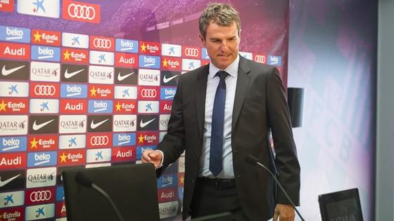 Thư ký kỹ thuật Fernandez đang lên dự án mới cho Barca.