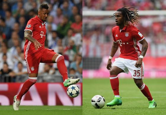 Theo HLV Carlo Ancelotti, Jerome Boatenga (trái) và Renato Sanches sẽ ở lại với Bayern Munich trong mùa giải tới.
