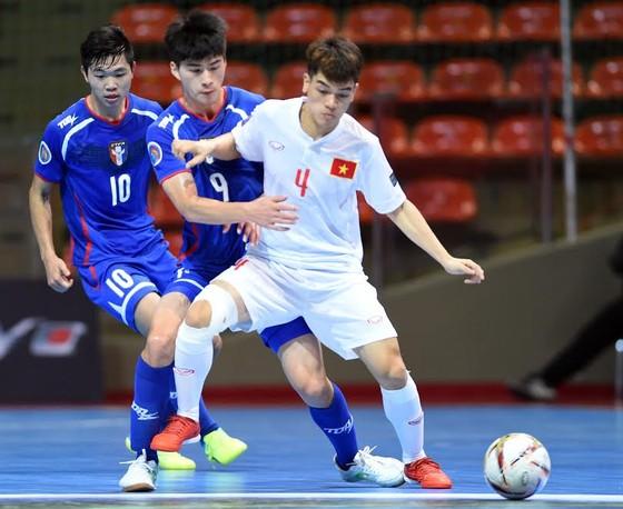 U20 Futsal Việt Nam ngược dòng ấn tượng 5-4 trước đối thủ. Ảnh: Quang Thắng.