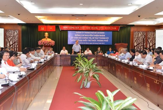 Bí thư Thành ủy TPHCM Nguyễn Thiện Nhân gặp đại diện trí thức ảnh 2
