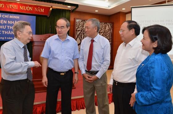 Bí thư Thành ủy TPHCM Nguyễn Thiện Nhân gặp đại diện trí thức ảnh 1