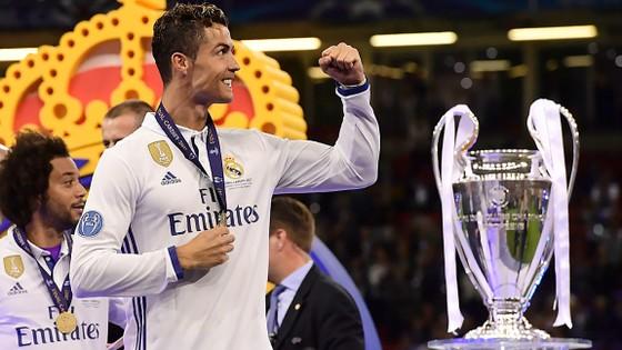 Ronaldo  hứa hẹn sẽ tiếp tục đưa Real trở nên vĩ đại hơn
