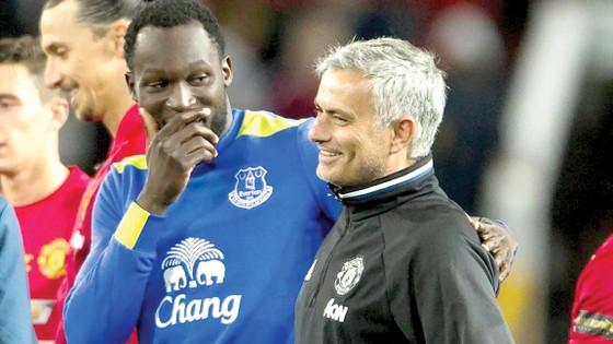 Romelu Lukaku đã từ chối Chelsea để đi theo tiếng gọi của Jose Mourinho.