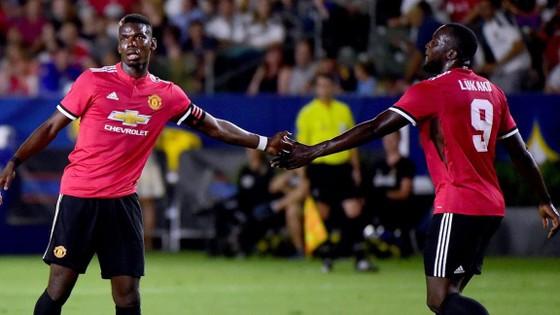 Paul Pogba (trái) và Romelu Lukaku đắt giá nhưng HLV Jose Mourinho tin rằng đó là đầu tư hợp lý.