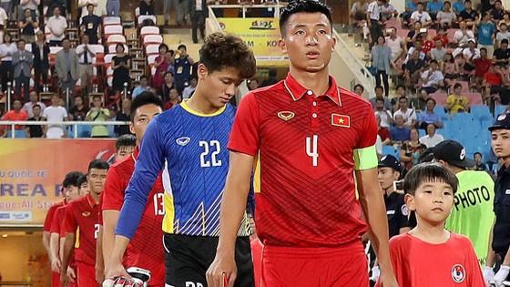 Hy vọng rằng người lính Bùi Tiến Dũng sẽ dẫn dắt đội nhà đăng quang tại SEA Games 29. Ảnh: Minh Hoàng