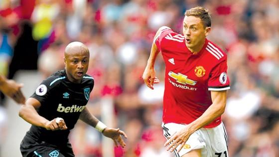 Nemanja Matic (phải) đã chơi một trận ra mắt thật sự tuyệt vời tại Man.United.