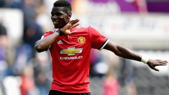 Một Paul Pogba tỏa sáng đang cùng Man.United tiến đi dũng mãnh.