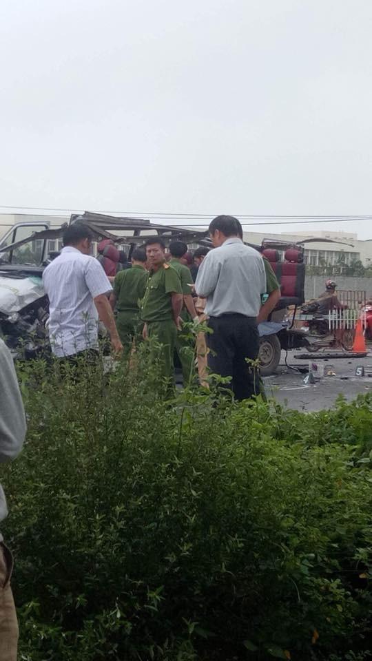 Hai xe khách tông nhau thảm khốc khiến 6 người chết ảnh 3