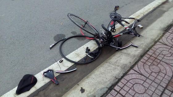 Chạy xe đạp tập thể dục, người đàn ông bị ôtô đâm tử vong ảnh 2