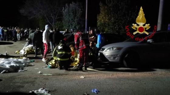 Giẫm đạp kinh hoàng tại hộp đêm ở Ý, hơn 120 người thương vong ảnh 1