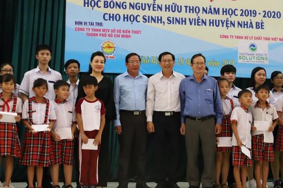 VWS trao học bổng Nguyễn Hữu Thọ cho HS-SV năm học 2019-2020 ảnh 1