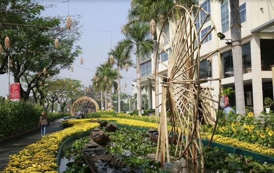 Xuất hiện Chuột Tài Lộc khổng lồ ở Đường xuân Phú Mỹ Hưng ảnh 5