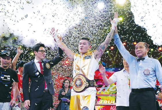 Nhà vô địch Trương Đình Hoàng