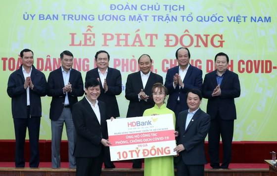 Tỷ phú Việt 'nối vòng tay lớn' giữa mùa dịch Covid 19 ảnh 3